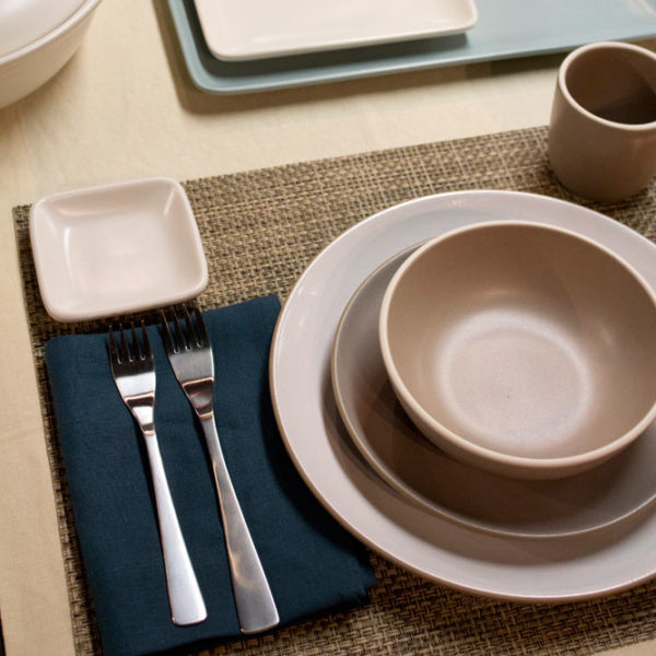 (Product1)Chilewich-Placemats-and-Libeco-Runner
