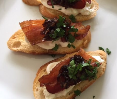 Burrata on Crostini with Caramelized Shallots